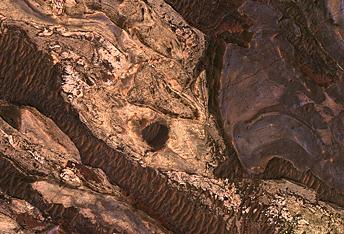 Αφηρημένη Τέχνη στο Χάσμα της Ιούς (Ius Chasma)