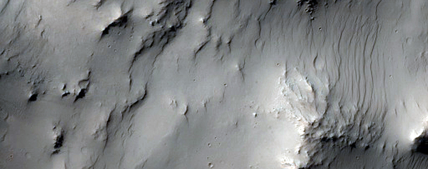 Well-Exposed Portion of Central Pit in Noachis Terra