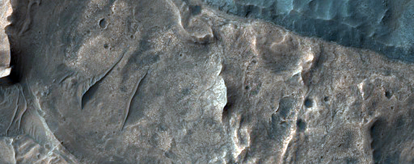 Possible Jarosite-Rich Stratigraphy in Ius Chasma