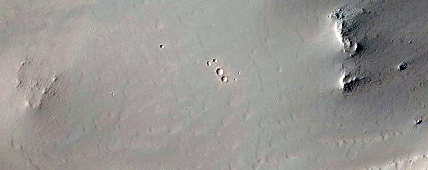 Crater Rim in Terra Sirenum