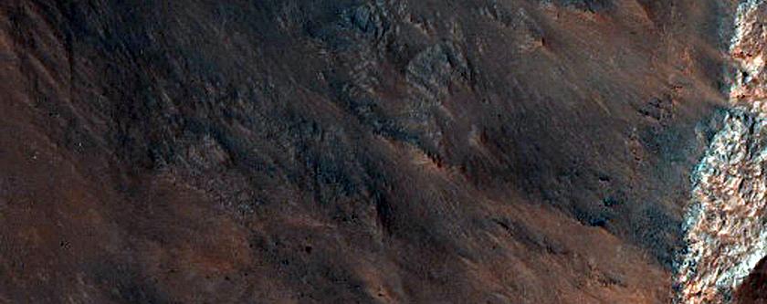 Rim of 22-Kilometer Diameter Crater in Hellas Planitia