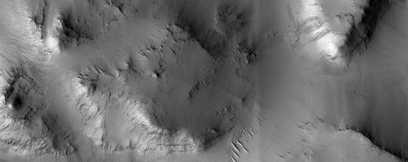 Layers in Blocks in East Arabia Terra