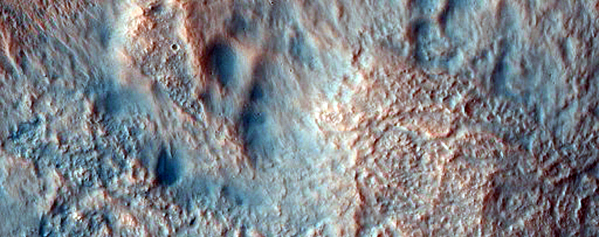 Central Structure in Impact Crater in Noachis Terra
