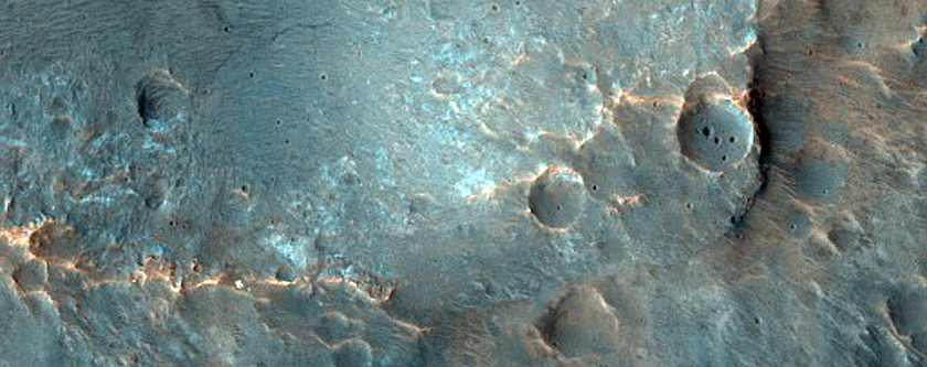 Craters South of Eos Chasma
