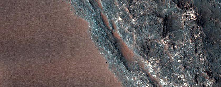 Elongating Linear Dunes at Meroe Patera