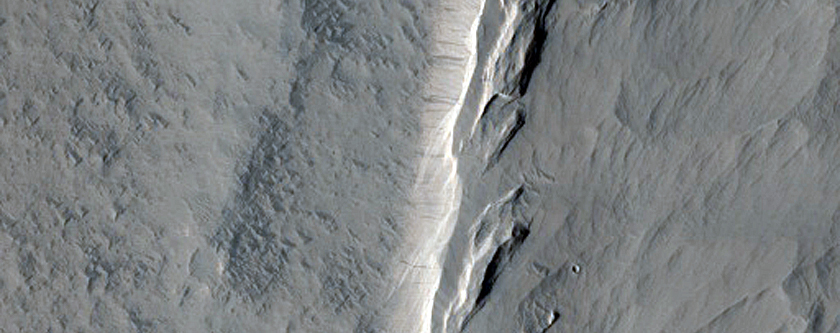 Layers in Wall of Mesa in Amazonis Region