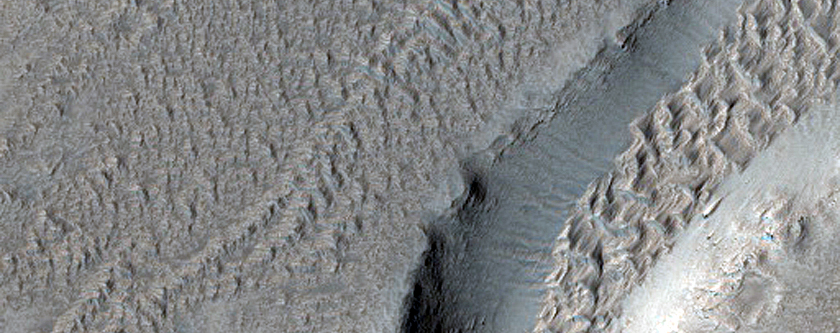 Troughs on Arsia Mons