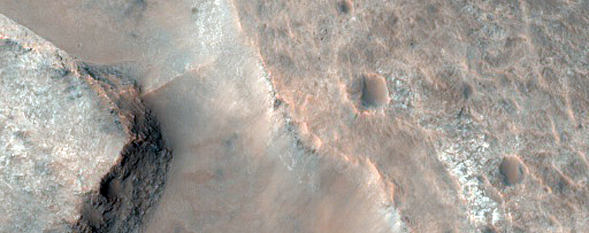 Phyllosilicate-Rich Stratigraphy in Her Desher Vallis