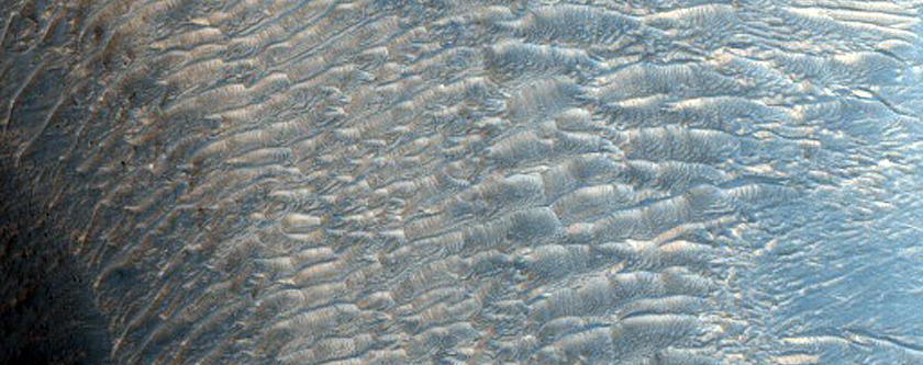 Ridge in Eastern Candor Chasma