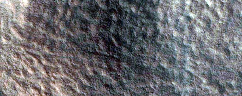 Fractures near Nilosyrtis Mensae