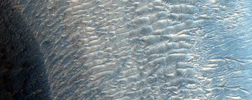 Ridge in Eastern Candor Chasma