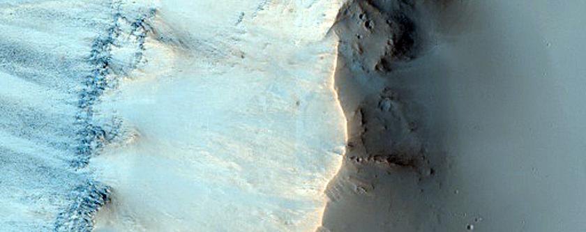 Terra Sabaea Crater Wall