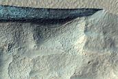 Scarp in Mid-Latitude Mantle