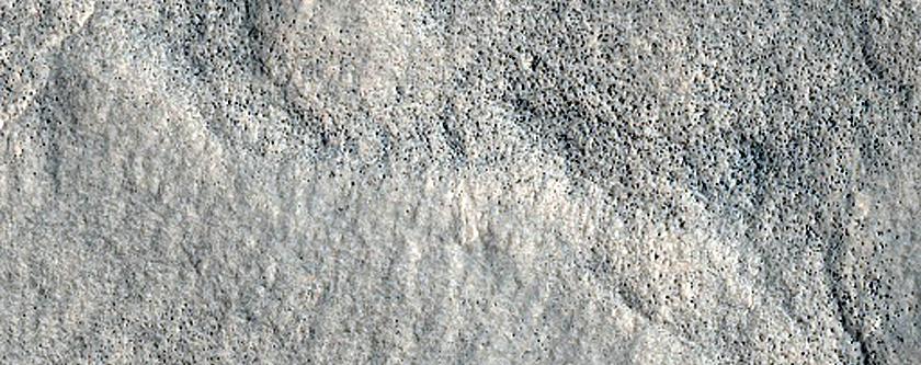 Pyramus Fossae