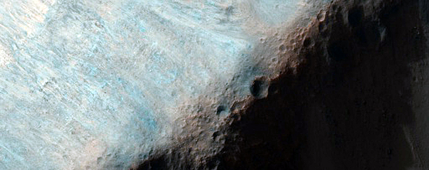 Possible Phyllosilicate Outcrop in Walls South of Aurorae Chaos