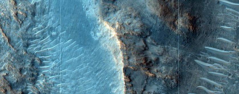 Layered Crater Rim near Mawrth Vallis