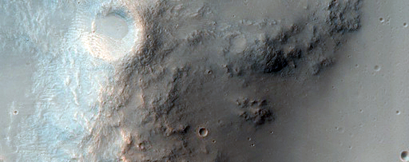 Crater with Ejecta Deposits in Tyrrhena Terra