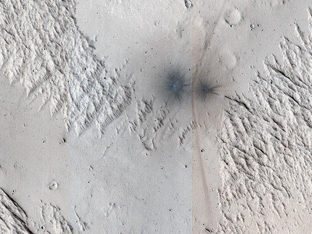 Mars, čerstvé krátery