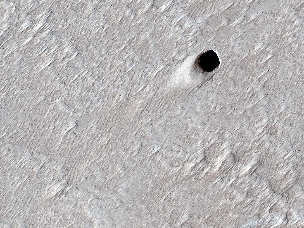 Mars, Lávový tunel