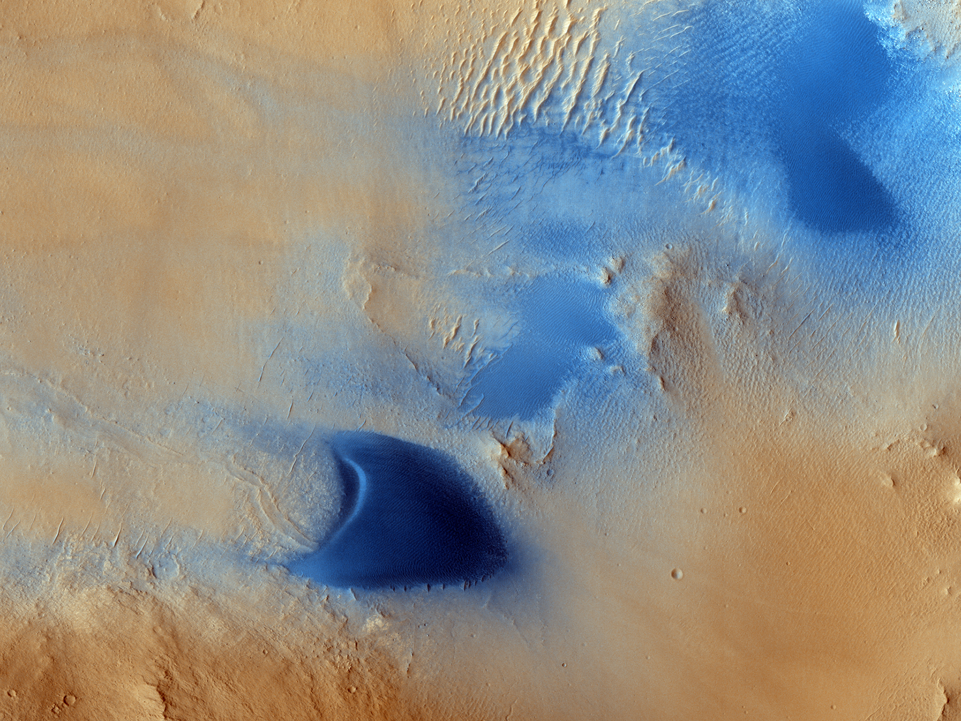 Dunes And Wind Streaks In Arabia Terra (ESP
