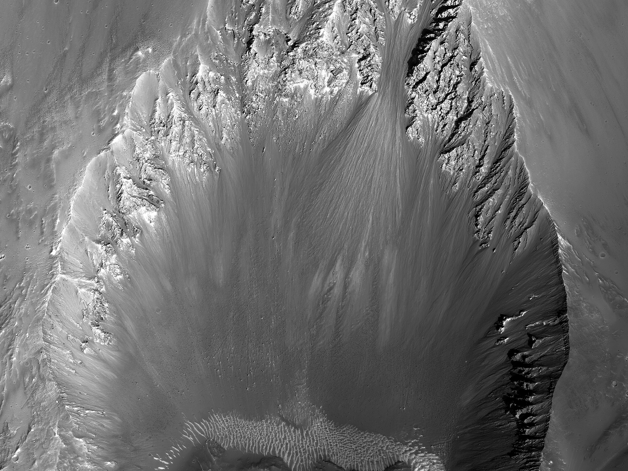 On The Shape Of Impact Craters (ESP_044998_1745